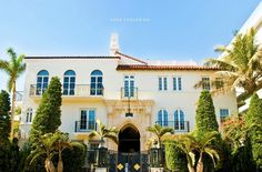 Gianni Versace's Miami Beach house with a pool lined with 24kt gold is up for 125 million $.