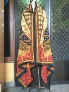 Kain Batik Tulis harga murah kualitas mewah Ukuran:240x125 cm Harga :350 rb Bisa dijahitkn jadi hem,blazer, rok, dress,abaya,busana muslimah
