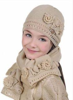 ALALOSHA: Vogue Enfants: Laura Biagiotti Hats collection for little Dolls Tween Fashion, Girl Fashion, Crochet Baby, Knit Crochet, Look Girl, Laura Biagiotti, Precious Children, Sweater Set, Child Models