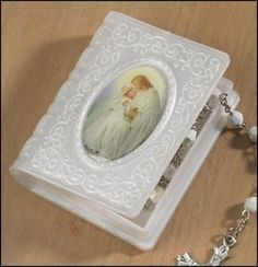 """Amazon.com: Catholic Girls First Communion Rosary Case, Rosary Not Included, Material: Moulded Epoxy Size: 2 1⁄4 X 2 3⁄4"""" H, 2"""" Deep, Jesus ..."""