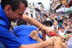 """Capriles a la Fuerza Armada: """"Es la hora de defender nuestra soberanía"""""""