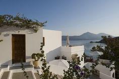 VILLA NOTOS Traditional studios & apartments | #Milos #Cyclades #Adamas #Greece #GuestInn