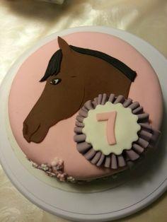 Paard met rozet taart