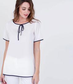 Blusa feminina manga curta viés contrastante