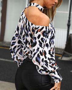 Leopard print Halter Off shoulder Long sleeve Blouses - ClothingI Trend Fashion, Look Fashion, Fashion Outfits, Womens Fashion, High Street Fashion, Asymmetrical Design, Blouse Styles, Sweater Fashion, Printed Blouse