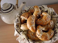 Rohlíky podle Helenky Bagel, Bread, Baking, Food, Basket, Brot, Bakken, Essen, Meals
