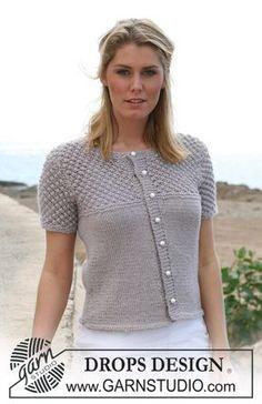 """DROPS Vest met korte mouwen in tricotst en braambessenmotief van""""Silke-Alpaca"""". Maat S t/m XXXL. ~ DROPS Design Mooie mouw"""