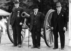Oldest Civil War veterans pictured at Mt Albion about 70 years after war