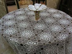 Crochet round table cloth free pattern