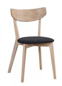 Ami tuoli, värivaihtoehtoina valkovahattu tammi, musta, valkoinen ja öljytty tammi, verhoilu musta tai valkoinen nahka ja harmaa kangas
