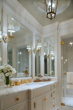 Decorate With The White And Gold Combination For Trendy Interiors - decoration,wood,wood working,furniture,decorating Dream Bathrooms, Beautiful Bathrooms, Luxury Bathrooms, Master Bathrooms, Master Bedroom, Master Bath Remodel, Style Deco, Deco Design, Bath Design
