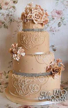 Un pastel muy elegante y original para tu gran dia! Todo para tu boda en un solo lugar! Los proveedores más selectos para la boda que siempre has soñado,21 y 22 de Junio 2014,Palacio de los Deportes.Te esperamos!