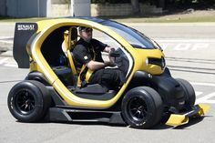 Photographs of the 2013 Renault Twizy RS Concept. An image gallery of the 2013 Renault Twizy RS Concept. Lamborghini, Ferrari, Peugeot, Jaguar, Sport F1, Renault Sport, Automobile, E Mobility, Weird Cars