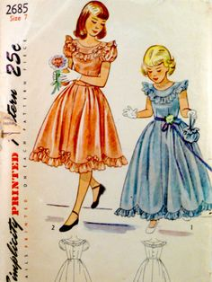Vintage 1948 © Simplicity 2685 sewing pattern. Envelope is delicate along edges, with normal opening at bottom. The top edge is worn open. Front and back illustrations are…