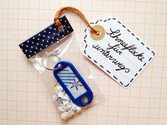 Ein nettes kleines Wichtelgeschenk ist die kleine Schlüsselanhänger-Schneeflocke. Lieblichst eingetütelt macht das Miniminiminigift auch echt was he