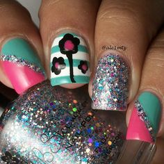 @kbshimmer Beach Please, Shore Thing and Hexy Bikini. All topped off with #mydreampolish ggtc. Love it! #❤