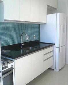 Cozinha com pastilha azul!