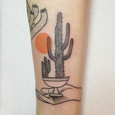 Cactus tattoo by Mariusz Trubisz Kaktus Tattoo von Mariusz Trubisz Bad Tattoo, Tattoo Bein, Piercing Tattoo, Piercings, Pretty Tattoos, Beautiful Tattoos, Cool Tattoos, Tatoos, Neue Tattoos