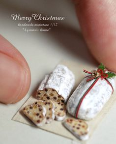 Mini Stollen (シュトレン) from Nunu's House, Japan. ☆Deutsch / 独: Christstollen, Weihnachtsstollen. これが本来のクリスマス・ケーキ。12月1日からクリスマスまで、家族全員で毎日少しづつ食べて行きます。