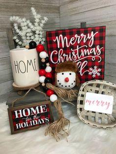 Black Christmas, Christmas Feeling, Christmas Fun, Buffalo Check Christmas Decor, Hobby Lobby Christmas, All Things Christmas, Christmas Decir, Christmas Bead Garland, Christmas Mantles