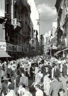 São Paulo 1950  Direita street. São Paulo anos 50 rua direita