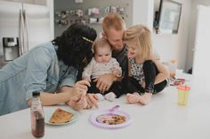 LOVE this! who wants to make pancakes during their portrait session? I'll bring the chocolate chips! :) -- Life with the Lannings | Kellie Kano Blog