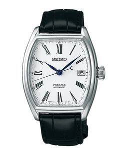 Seiko Herenhorloge Automaat Presage. Mooi en chique horloge met als uurwerk een automaat. Door de beweging van de pols of door handopwinding wordt de hoofdveer opgewonden die zorgt voor de juiste werking van het uurwerk. Indien de veer helemaal is opgewonden heeft dit Presage horloge een energiereserve van 50 uur. Het tikgetal van dit horloge bedraagt 21.600 en het horloge is voorzien van 23 jewels. Het 6R kaliber wordt in-house gemaakt en bestaat uit maar liefst 168 onderdelen. Seiko Automatic Watches, Seiko Watches, Seiko Presage, Cartier Tank, Watches Online, Watch Brands, Omega Watch, Watches For Men, Shabby Chic