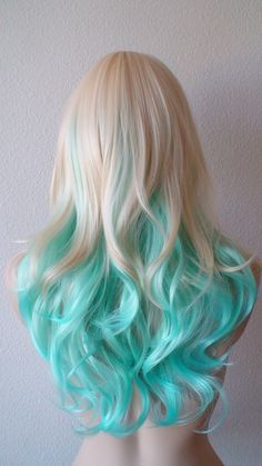 Riosabel 🥀 cabello ♀ en 2019 dyed hair, hair styles y curly Hair Dye Colors, Ombre Hair Color, Blonde Color, Cool Hair Color, Teal Hair, Blue Ombre, Ombre Brown, Mint Hair, White Ombre