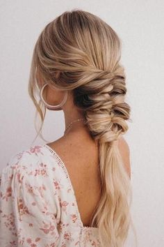 25 Easy Wedding Hairstyles for Guests That'll Work for Every Dress Code 25 Easy Wedding Hairstyles for Guests That'll Work for Every Dress Code,Frisuren Hairlove.site Big Southern Hair 25 Easy Wedding Hairstyles for Guests. Curly Hair Styles, Hair Styles 2016, Long Hair Fringe Styles, Side Bangs Hairstyles, Easy Hairstyles, Pretty Hairstyles, Evening Hairstyles, Hairstyles For Dresses, Summer Hairstyles