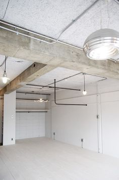 Industrial Office Design, Industrial House, Loft Interiors, Industrial Interiors, Home Building Design, Building A House, Loft Design, House Design, Concrete Interiors