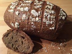 Lažanský bochník Sourdough Bread, Food And Drink, Breads, Irish, Dark, Yeast Bread, Bread Rolls, Irish Language, Bread