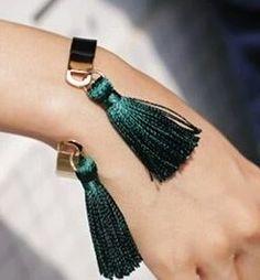 Bracelet jonc pompon vert