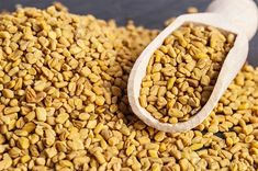Natural Remedies For Hair Growth Fenugreek-And-Amla-For-Hair-Growth - Getting your hair to grow properly can be a task, that is, unless you have the right ingredients at your disposal. Considering Amla for hair growth can be beneficial Recipe With Fenugreek, Fenugreek For Hair, Fenugreek Tea, Fenugreek Benefits, Home Remedies For Hair, Hair Remedies, Natural Home Remedies, Herbal Remedies, Temple Hair Loss
