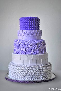 Fantastic Ombre Wedding Cakes ❤ See more: http://www.weddingforward.com/ombre-wedding-cakes/ #weddings