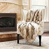 Best Home Fashion Faux Fur Throw - Lap Blanket - Champagne Fox - W x L - Throw) Champagne Bedroom, Tahari Bedding, Living Room Throws, Cosy Lounge, White Couches, Lap Blanket, Faux Fur Throw, Luxury Decor, Bedding Sets