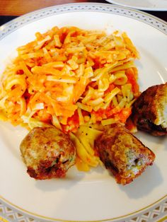 Jamie Oliver's Baked pasta with tomatoes and mozzarella together with eggplant balls! Delicious, made at home!