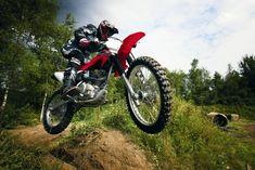 Torne sua experiência off-road inesquecível com a Honda CRF 230F. Saiba mais: http://www.consorcioparamotos.com.br/noticias/consorcio-honda-crf-230f-a-partir-de-r-203-30-mensais?utm_source=Pinterest_medium=Perfil_campaign=redessociais
