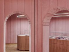 Nanan French patisserie in Wroclaw is the recent creation of a local BUCK.STUDIO. Delicacies and cakes are not the only sweet element inside this millennial pink-themed bakery. Walls are covered wi