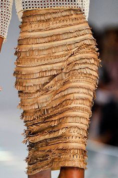 #fashion: Love sense of movement & the slim lady-like length of this skirt. Ermanno Scervino