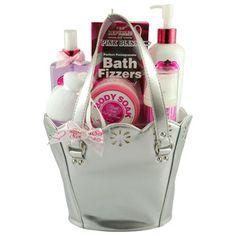 Coffret de Bain The Republic Of Pink Bliss   Avec ce coffret fraîcheur et bien être, offrez-vous un pur instant de détente délicatement parfumé à la Canneberge.