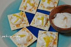 「激ウマ♪塩レモンとクリームチーズのクラッカーのせ」まるでチーズケーキのような「ディップ」に塩レモンのアクセントが光る一品です。【楽天レシピ】