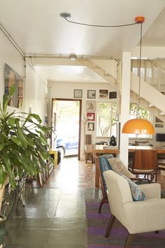 Casas com Alma : A casa do Marcos é cheia de objetos colecionados ao longo da vida e que foram se misturando com muita naturalidade.