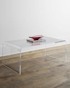 H7T81 Crystalline Coffee Table