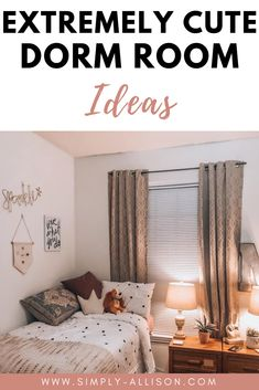 Cute dorm room ideas that you need to transform your dorm room! These cute 20 dorm room ideas that you need to copy to have the best dorm room on campus. Dorm Room Setup, Cozy Dorm Room, Cute Dorm Rooms, Small Room Bedroom, Diy Dorm Decor, College Dorm Decorations, Room Decor, Small Dorm, College Dorm Essentials