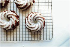 Ginger Molasses Bundt Cakes Recipe by The Wood and Spoon Blog. These ginger molasses bundt cakes and moist and fluffy cakes, fragrant from spicy ginger and cinnamon, and sweetened up by a white chocolate glaze.
