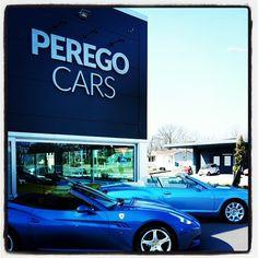Ferrari California Vs Bentley continental GTC #peregocars #ferrari #california #etoy #sunnyday #cabrio