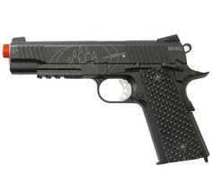 Pistola Airsoft BLACKWATER BW1911 - 6mm - CO2 Modo de disparo - Semi-Automática  Acompanha:  1 magazine (capac. 16 BBS)   Características Velocidade: 350 fps / 100 m/s (BBS 0,20gr)  Energia: 1 Joule Distância máxima: 40 m Peso: 400 g Comprimento: 20 cm  Capacidade magazine: 16 BBS  Calibre: 6 mm Tipo de ação - CO2