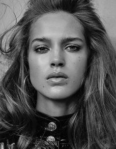 Vogue Mexico August 2016 Julia Jamin by Owen Bruce