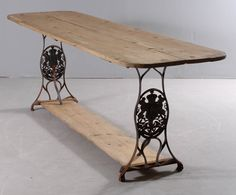 Planting or dinner Table - made ​​of old Husqvarna sewing machine stand and recycled boards
