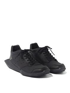 スニーカー RICK OWENS X ADIDAS MENS TECH RUNNER TRAINER | RICK OWENS リックオウエンス | メンズ - 靴 - スニーカー | 海外通販ならLASO(ラソ)